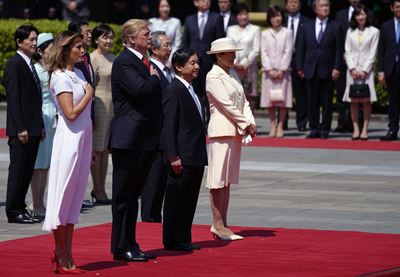 美國總統川普在25日抵達日本,展開4天3夜的訪問行程,成為「令和」時代首位訪問日...