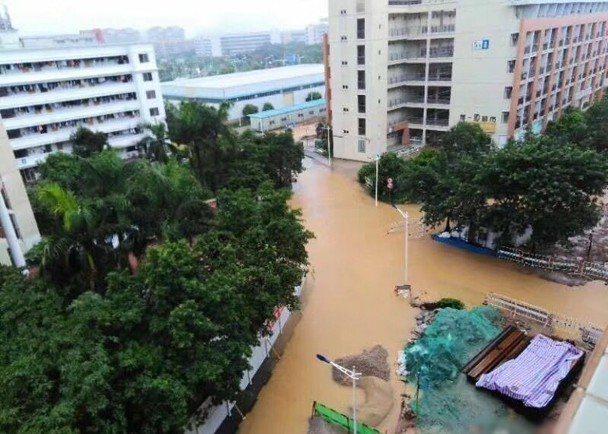 廣東省氣象服務中心今天分別向深圳、珠海、中山等7個縣市,發布紅色暴雨預警信號。(...