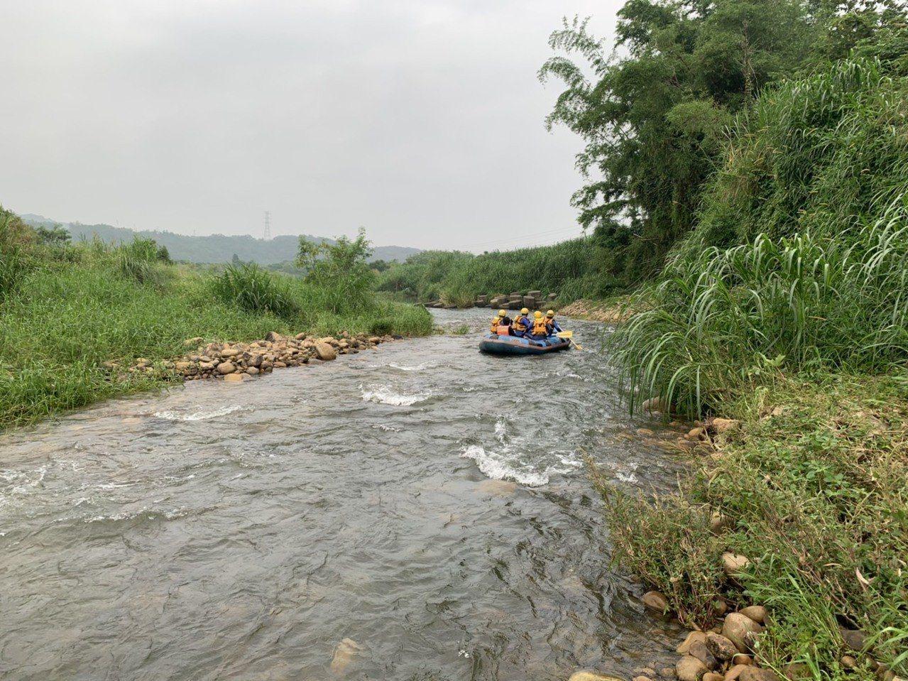 越南各地學校5月中旬開始放暑假,最近頻傳多起學童溺水意外,引起民眾與家長關注和憂...