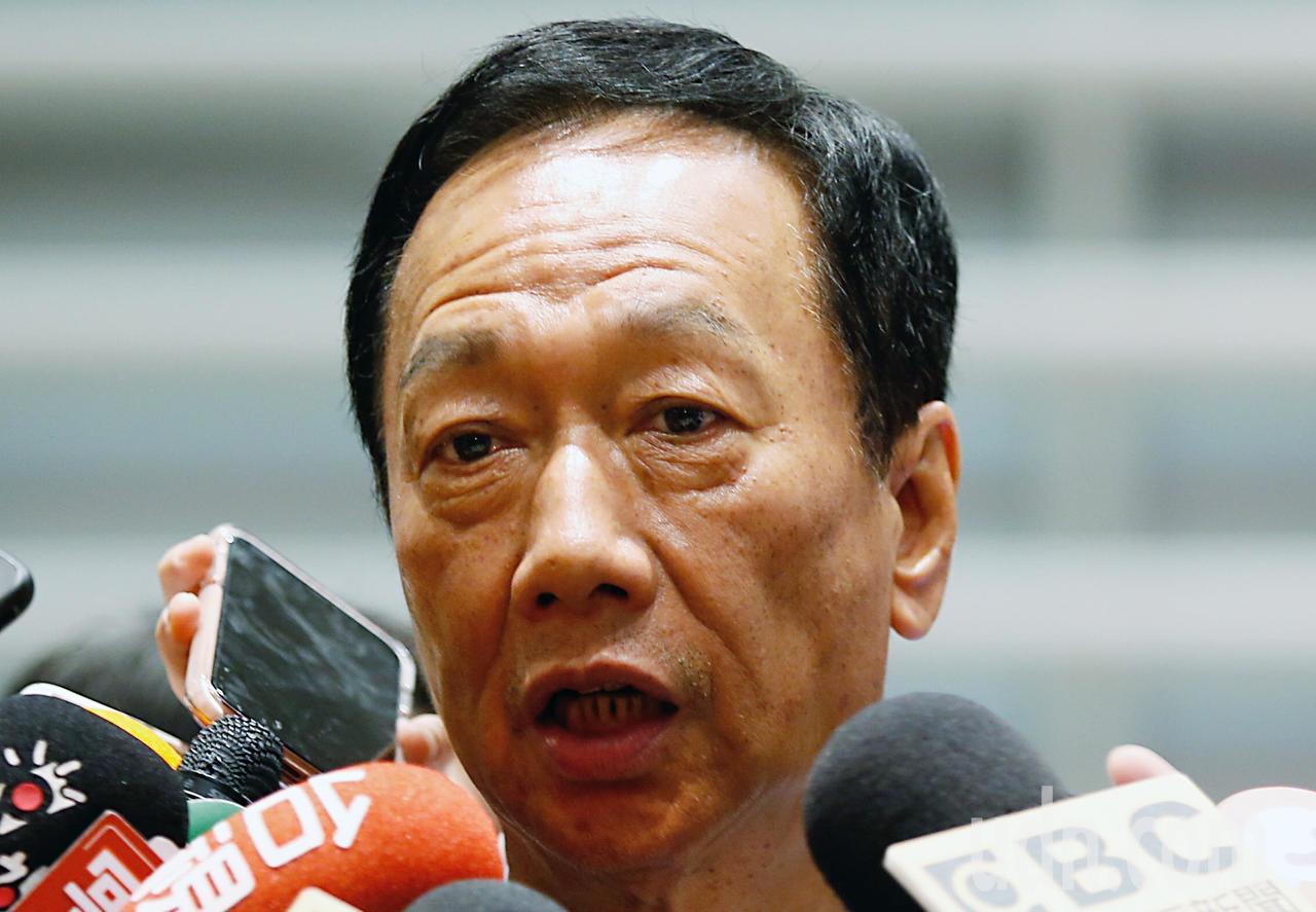 國民黨總統初選參選人郭台銘下午在錄影前表示,對於韓國瑜市長在凱道造勢活動,只要支...