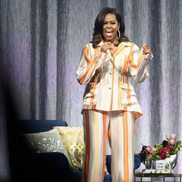 美國前第一夫人蜜雪兒歐巴馬前陣子到巴黎宣傳新書時,也是以睡衣造型現身,她選擇愛牌...