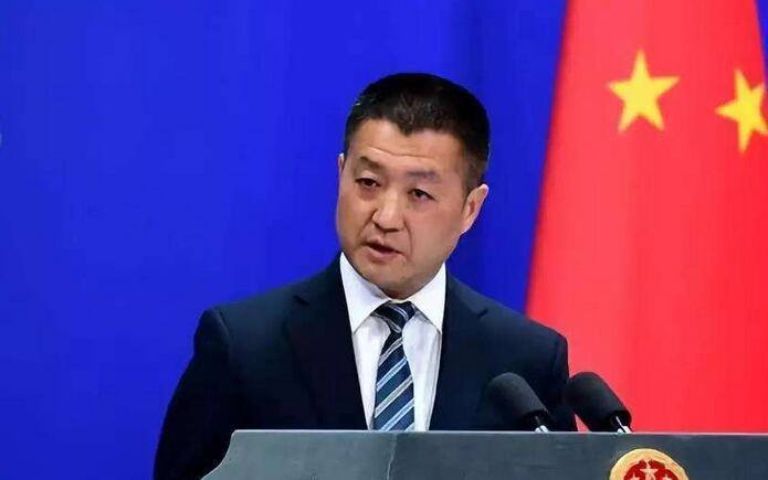 中共外交部發言人陸慷今天主持例行記者會。環球網