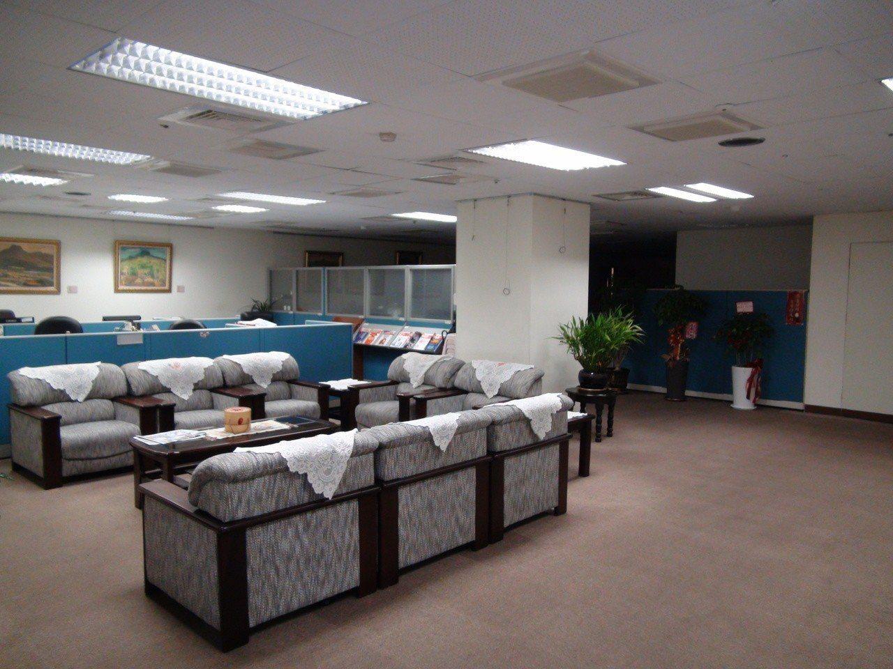 高雄市四維行政中心市長室今年二月被前市府攝影官潛入。記者謝梅芬/攝影