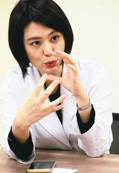 新光醫院眼科主治醫師林友祺。 記者林俊良/攝影