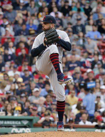MLB/只穿襪子站在投手丘 培瑞茲創最奇怪停賽