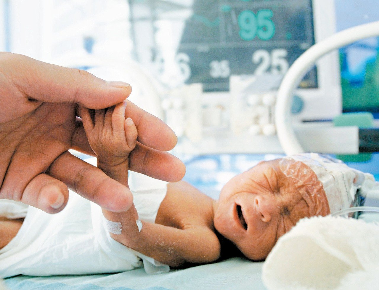 防治孕婦早產與生出低體重,應能減低新生兒死亡率。 圖╱聯合報系資料照片
