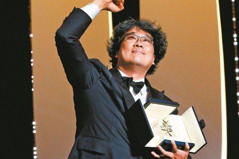 南韓導演奉俊昊執導的電影「寄生上流」榮獲坎城影展金棕櫚獎後,他遵守每週52小時工作制拍攝電影的方式,在被稱為「最惡劣的勞動環境」的韓國電影界,引發肯定與關注。南韓「東亞日報」指出,在工時普遍超時的韓...