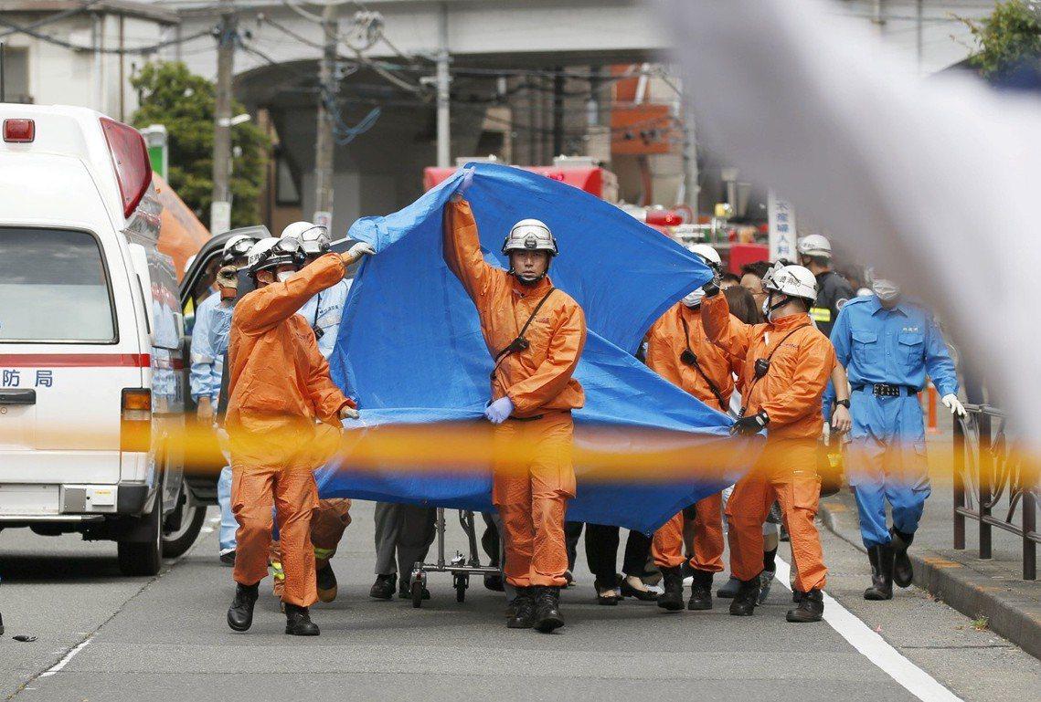 《NHK》報導,受傷者有13名6到7歲的小學女生,還有3名成人共16人。 圖/路...