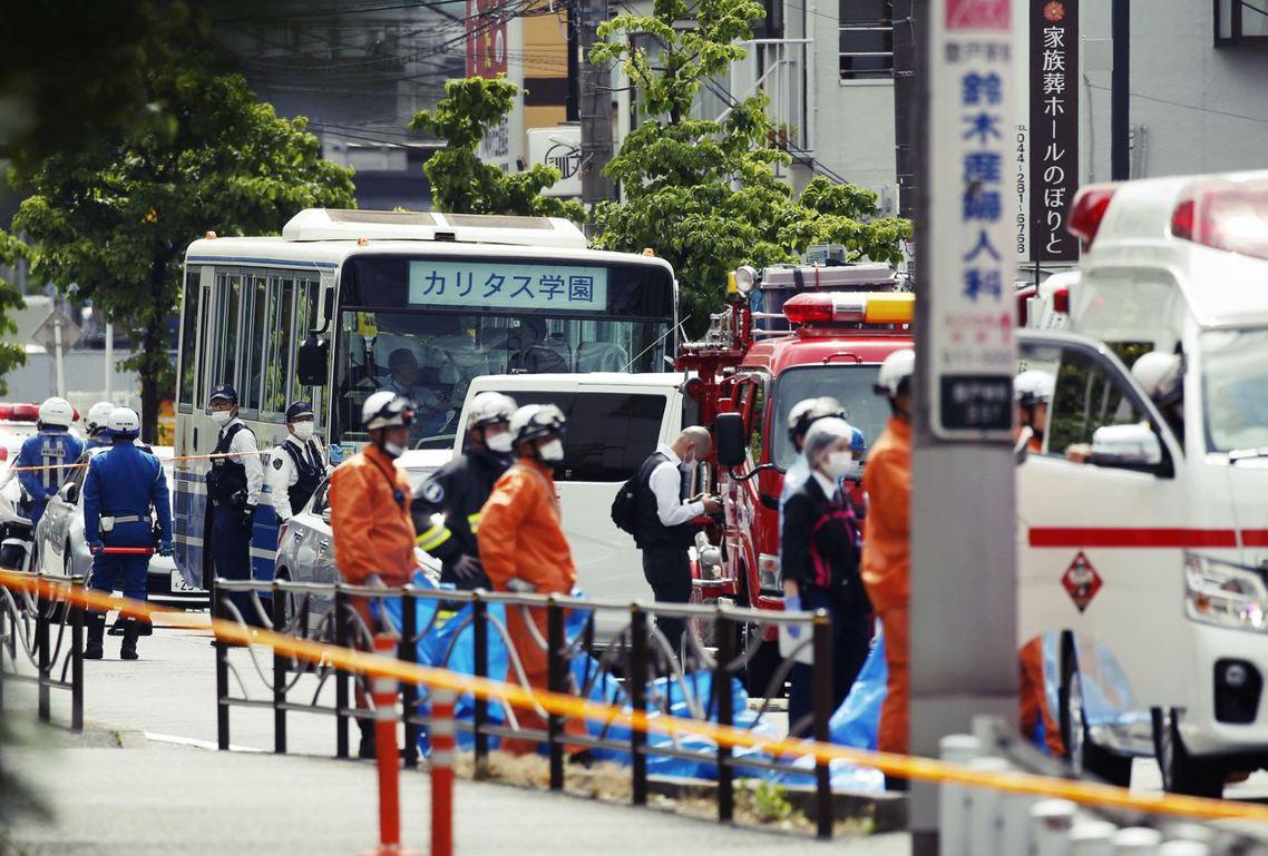 日本再傳無差別殺人事件,「登戶通魔事件」已知2死16傷,多數被害人是小學生。 圖...