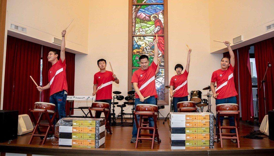 惠民盲校院生所帶來的「太鼓」表演。 惠民盲校/提供