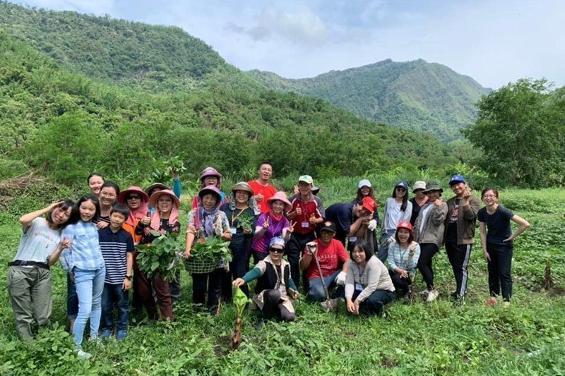 走讀活動也帶領學員親自體驗鄒族生活。 圖/台灣原住民族學院促進會