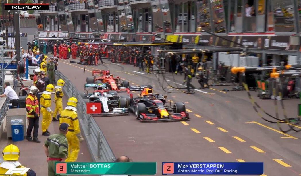 RedBull的不安全放車導致擦碰,Verstappen也被判罰了5秒。 摘自F...
