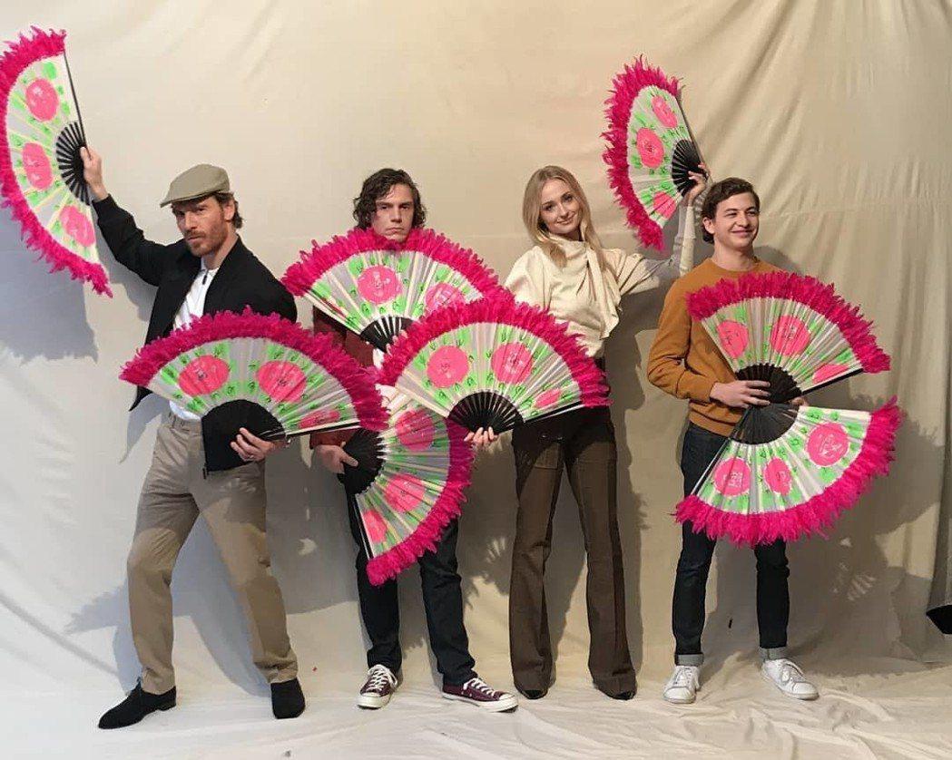 「黑鳳凰」主演群麥可法斯賓達(左起)、伊凡彼得斯、蘇菲特納、泰謝里丹。到韓國宣傳...