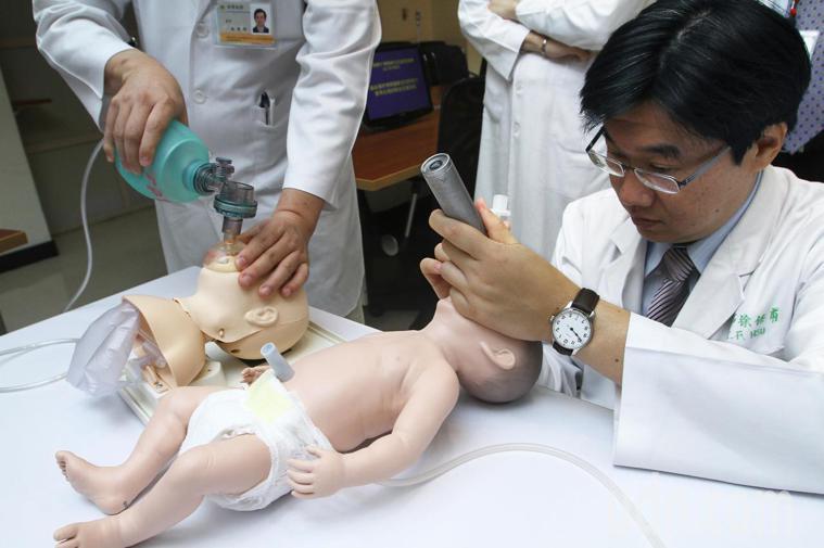 台灣嬰兒死亡率3.9人,與國際經濟合作暨發展組織(OECD)36個會員國比較,居...