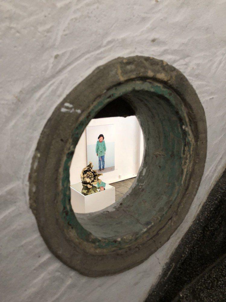 策展人杜昭賢將台南民權路特色天井街屋重回原貌,打造成B.B.Art藝廊,圖為磨石...