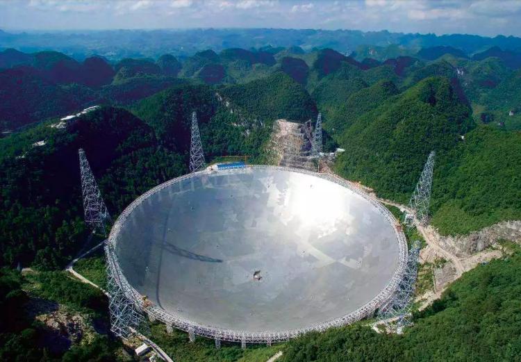 中國大陸在貴州建造世界最大射電望遠鏡「中國天眼」。圖擷自搜狐