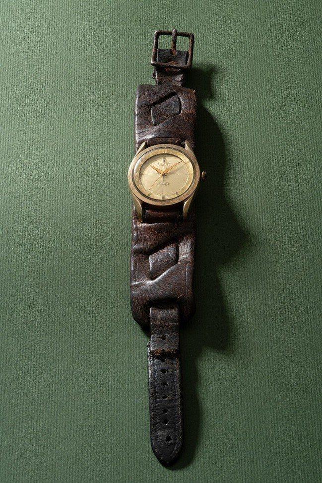 傳奇影星李小龍曾收藏並配戴過的宇宙「Polerouter」腕表,附證明信件,以約...