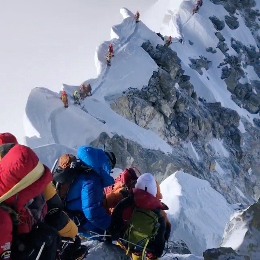 沒有雪崩沒有狂風 竟有11人死在排隊的珠峰上