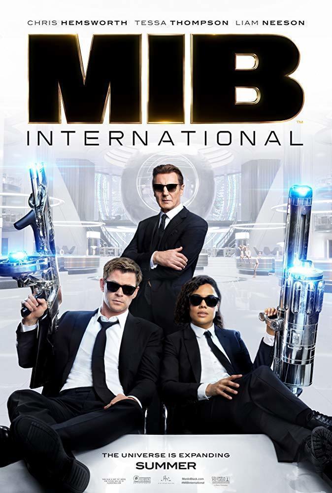 克里斯漢斯沃(左起)、連恩尼遜、泰莎湯普森合作「MIB星際戰警:跨國行動」。圖/...