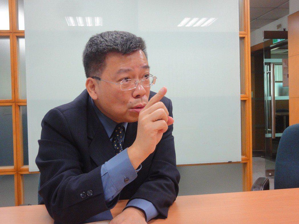 冠德建設總經理洪錦欽表示,建商品牌、地段、產品力是高資產族考量的重點。圖/倪子仁...