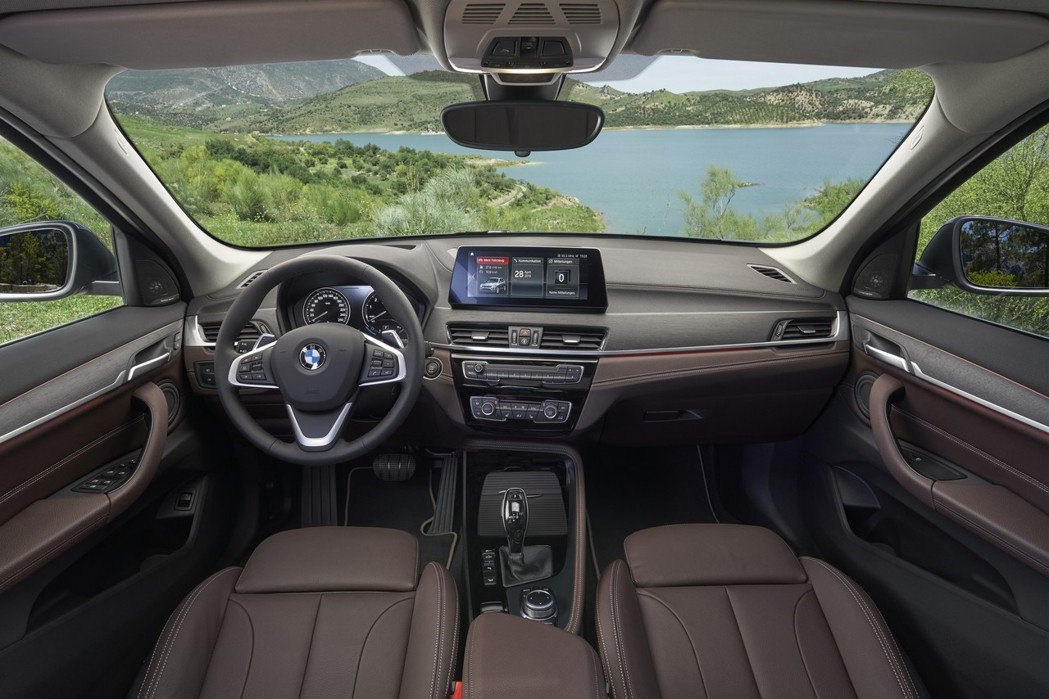 小改款BMW X1內裝。 摘自BMW