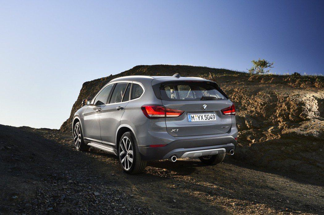 BMW X1藉由LCI中期改款階段新增了全新PHEV插電式油電混合動力車型。 摘...