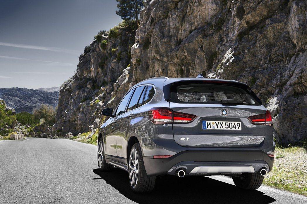 小改款BMW X1除了PHEV車型外,其餘動力車型將於今年七月正式登場。 摘自B...