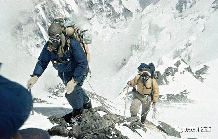 希拉里和諾爾蓋在海拔8534米