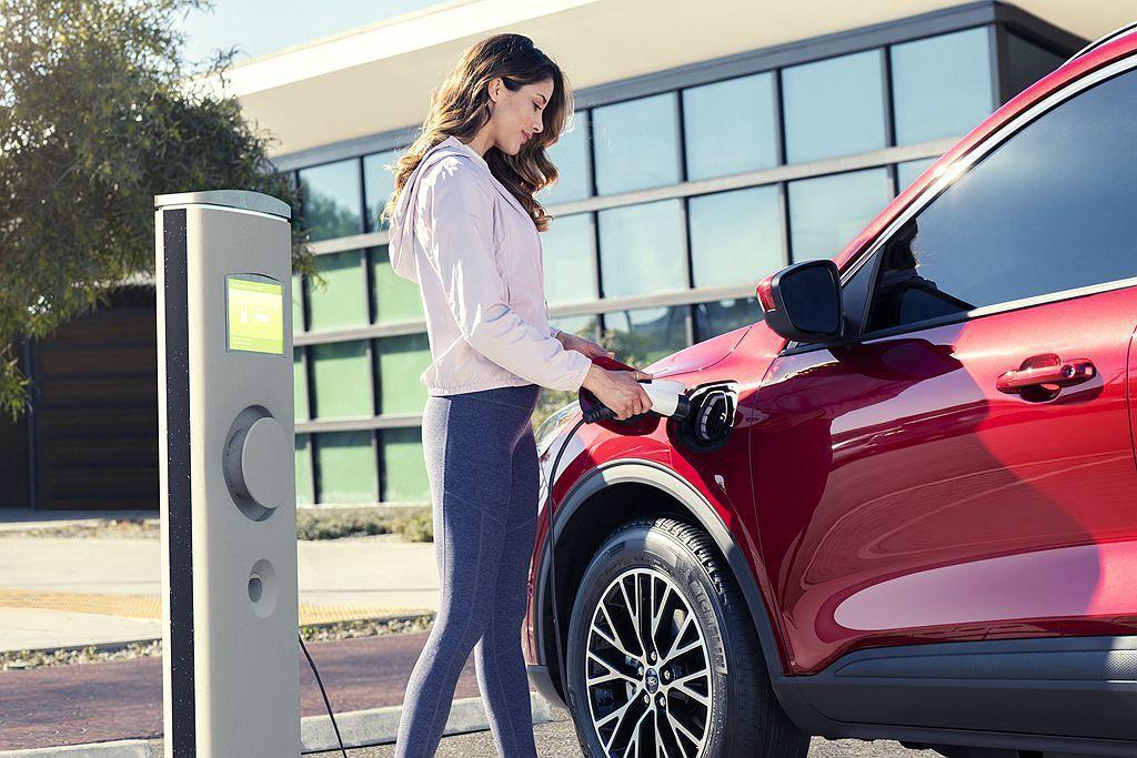 Ford Escape Plug-In Hybrid排定2020年春季到貨,推估...