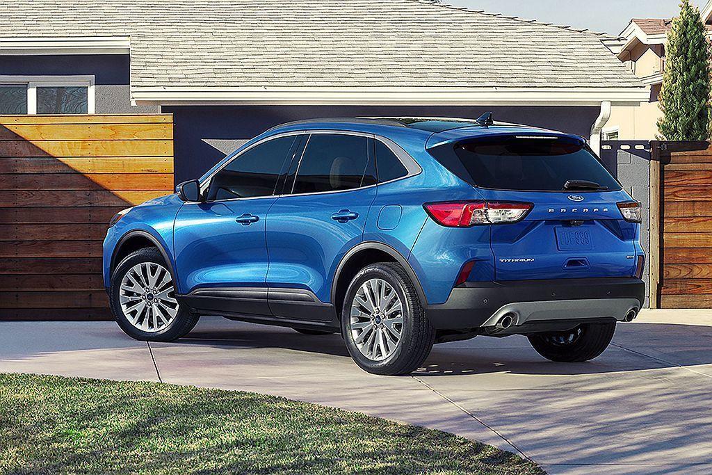 美規全新第四代Ford Escape售價將自25,980美元起,相比現行款略漲7...