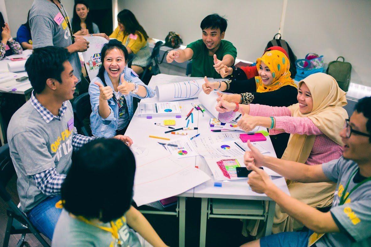 One-Forty進而成立「移工人生學校」,除了教中文聽說讀寫,還增加攝影、電腦...