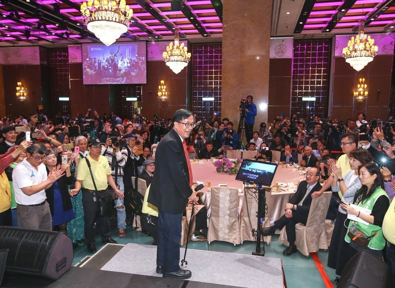 前總統陳水扁(前排中)。圖/聯合報系資料照片