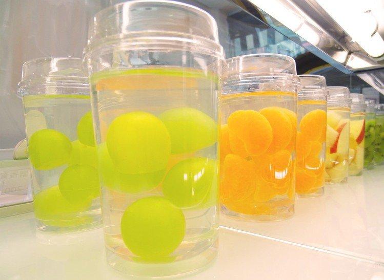 店內供應各式美麗的日式水果甜品。圖/J Fruit Mart 提供