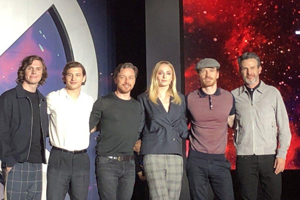 「快銀」伊凡彼得斯(左起)、「獨眼龍」泰謝瑞丹、「X教授」詹姆斯麥艾維、「黑鳳凰