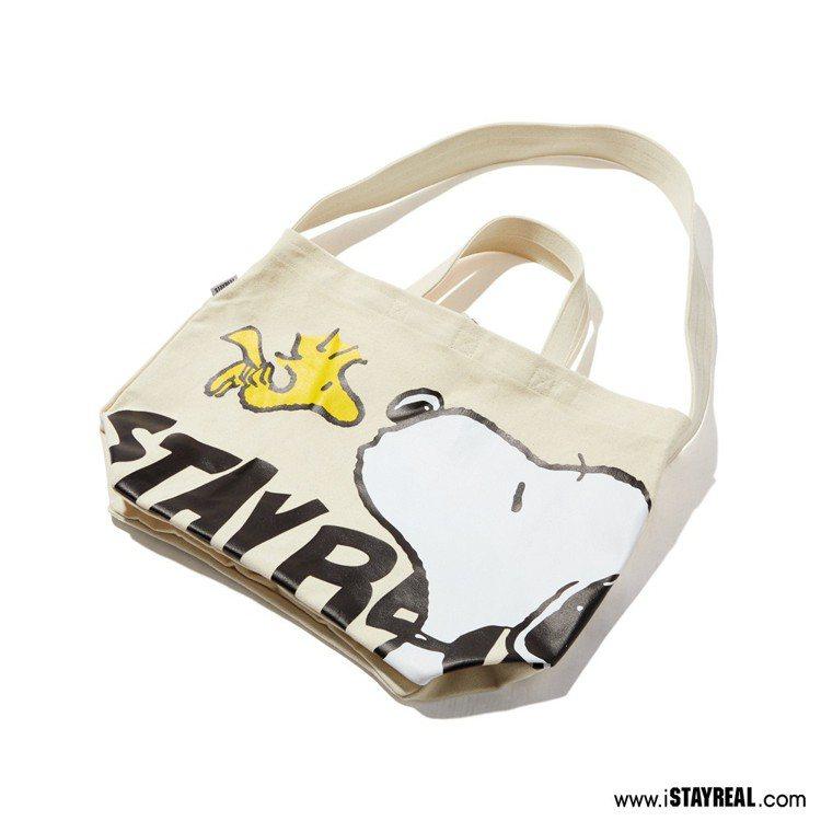 史努比帆布包,售價1,080元。圖/STAYREAL提供
