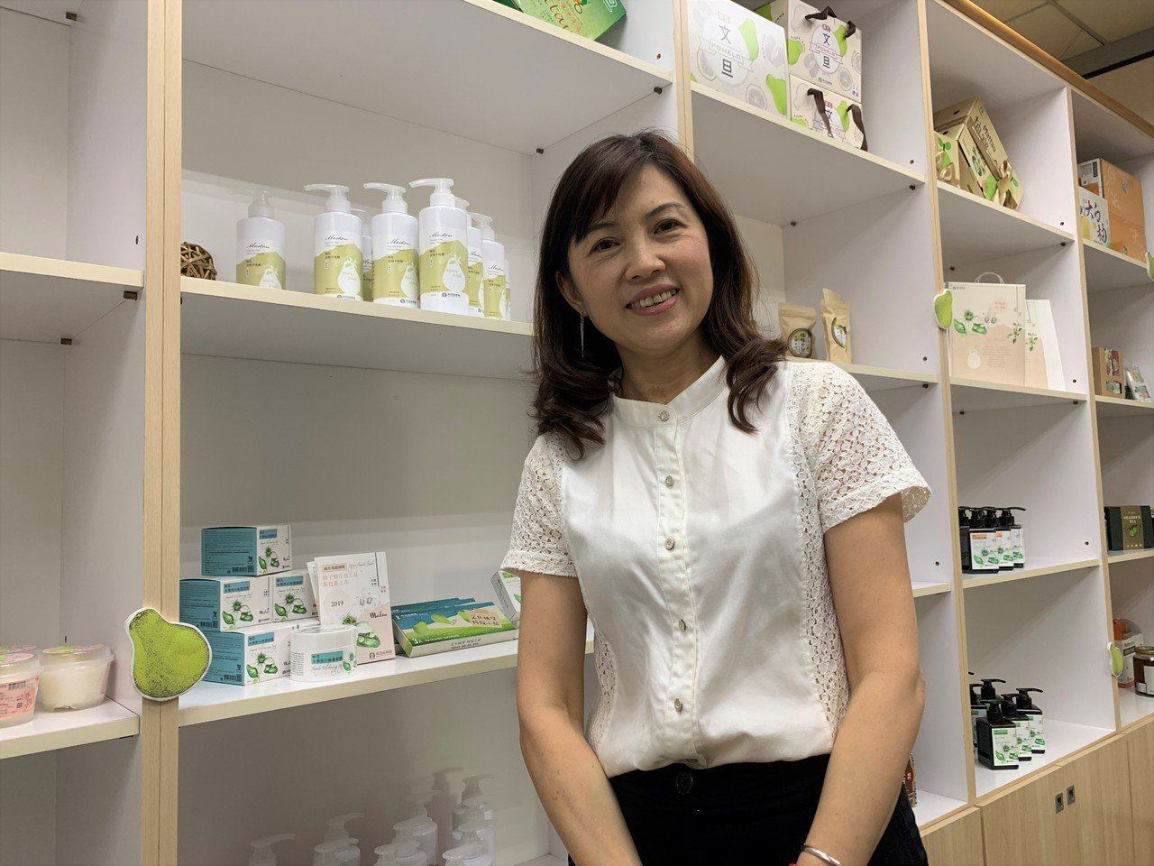 台南麻豆區農會總幹事孫慈敏外型亮麗,是農會最佳代言人。記者吳淑玲/攝影