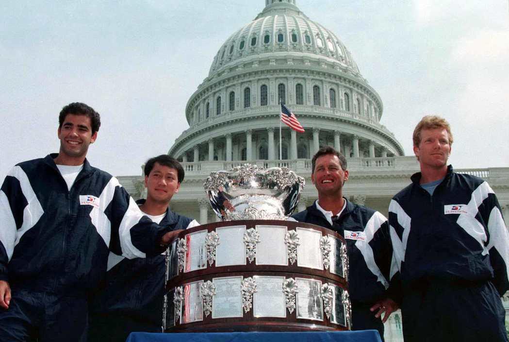 山普拉斯(左)、張德培(左二)和庫瑞爾(右)等好手,號稱美國男子網球的黃金世代。...
