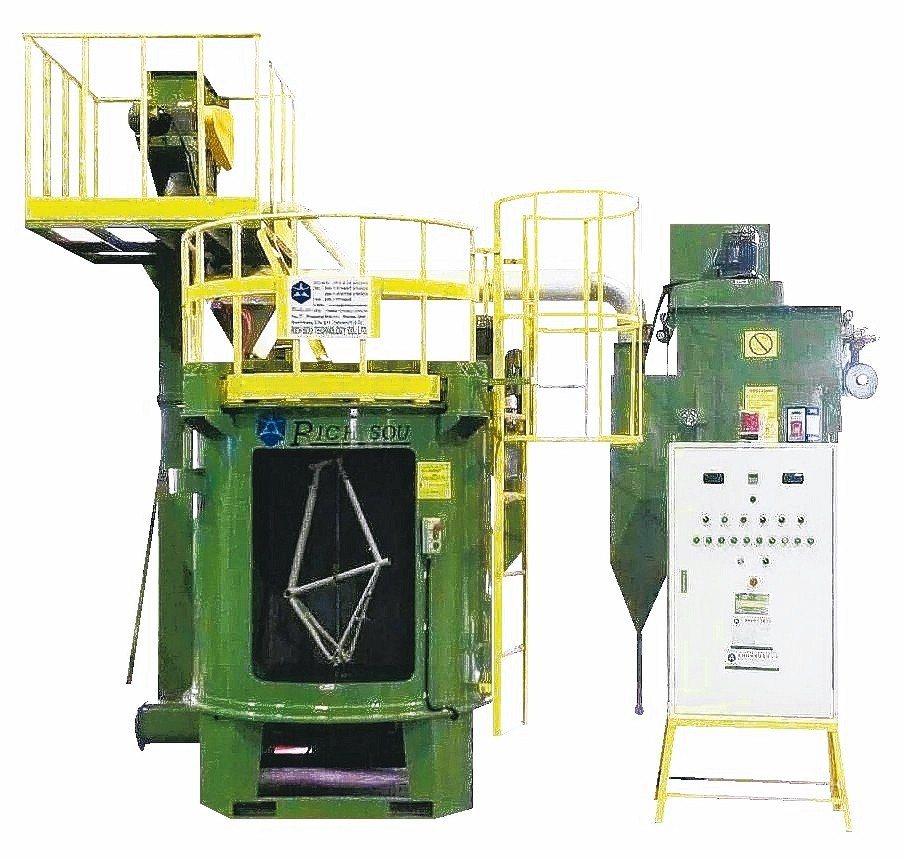 針對汽機車精密鑄造及重力鑄造、壓鑄、鍛造產業所開發的新式雙軸連續吊式噴洗機。 大...