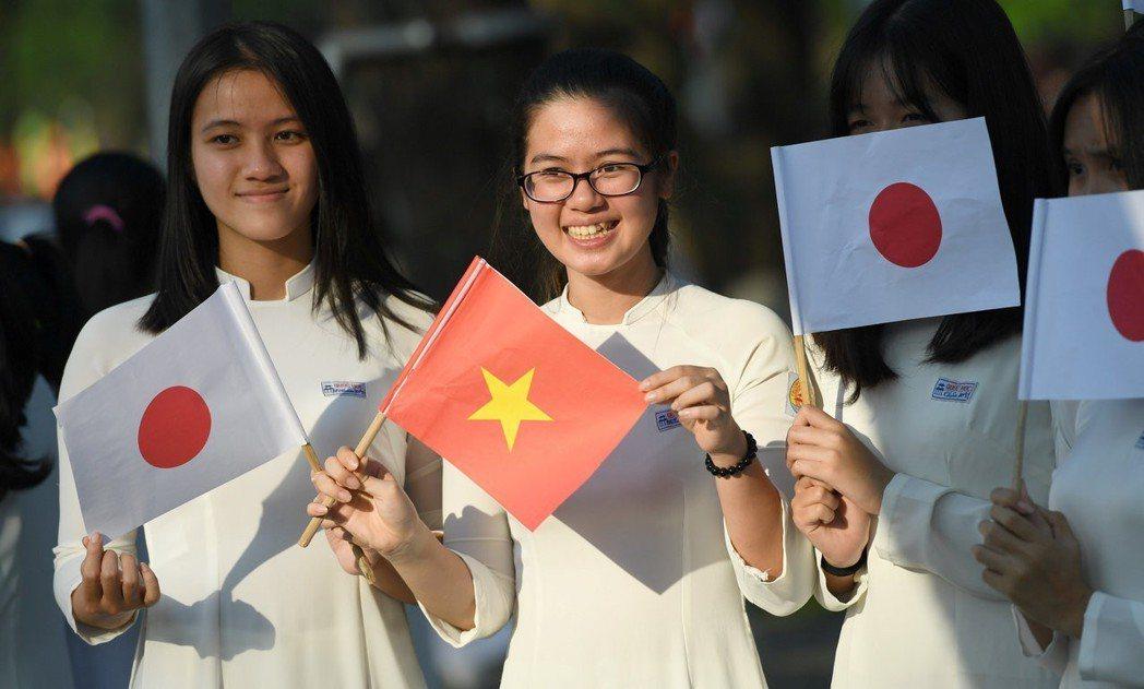「日本雖然是個排外的國家,但勞動者的團結並不分國界。希望我們的努力,能夠讓更多移...