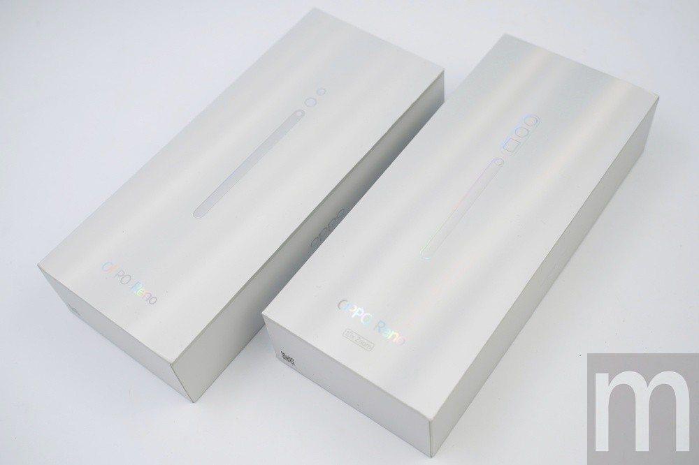 左為OPPO Reno標準版盒裝,右為10倍變焦版盒裝