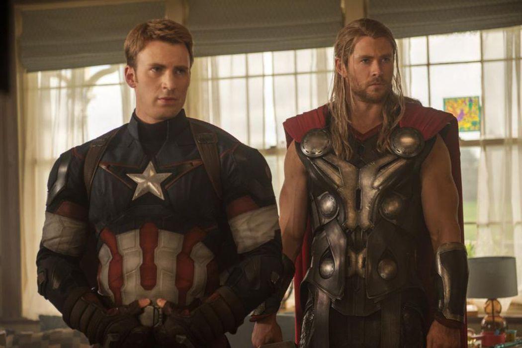「美國隊長」克里斯伊凡、「雷神索爾」克里斯漢斯沃。圖/迪士尼提供