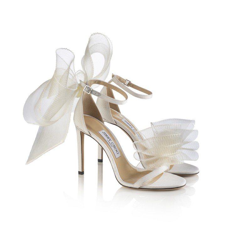 Jimmy Choo最新的Aveline系列鞋款,39,800元(白)。圖/Ji...
