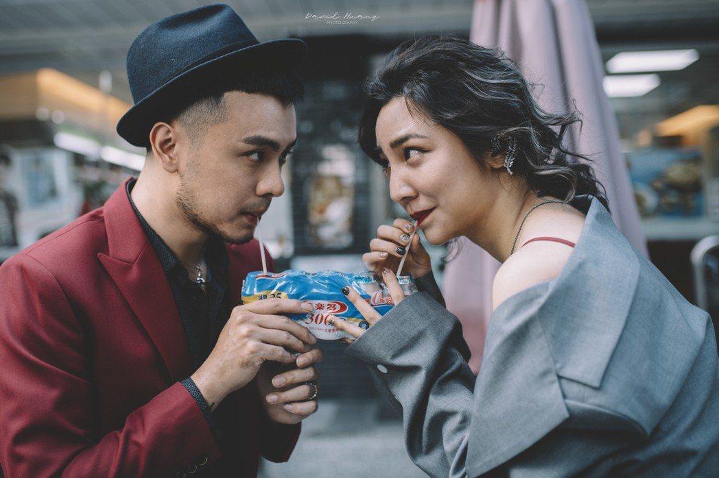 高雋雅和老公Edward第一次約會喝養樂多。圖/海納百川提供