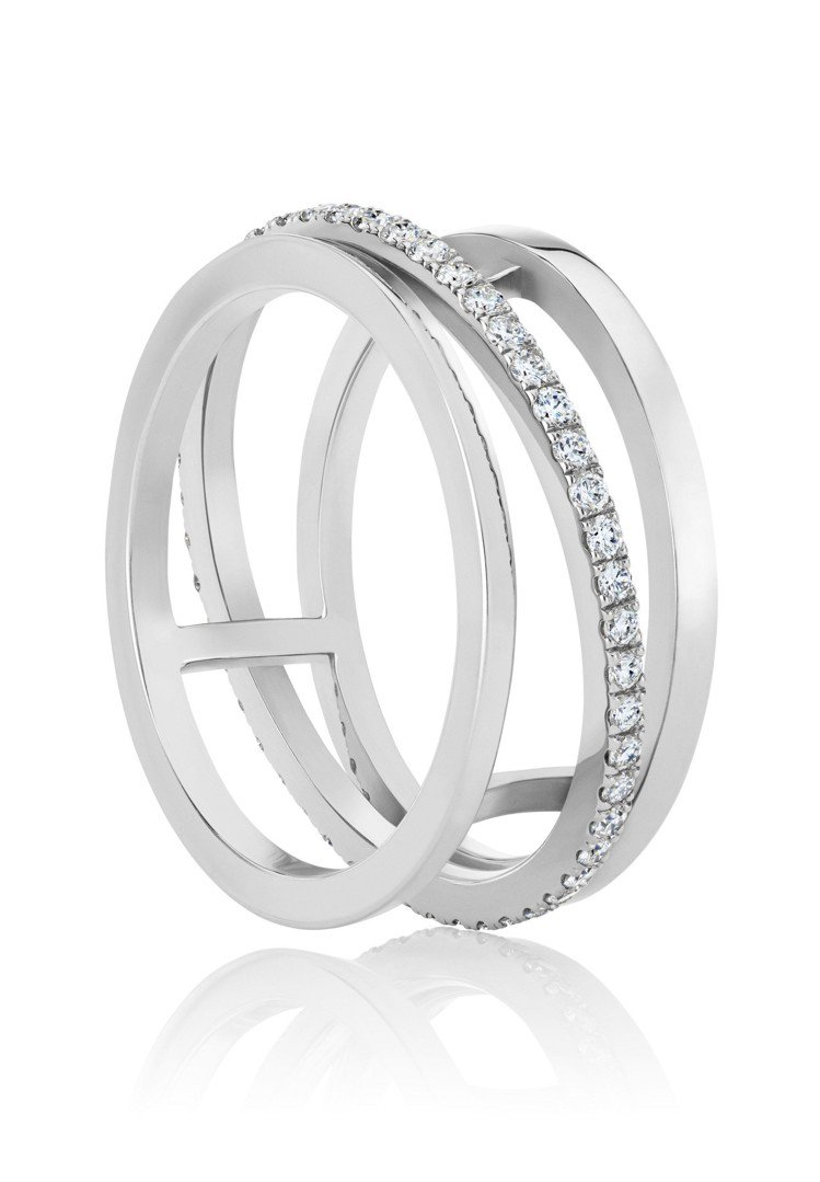 De Beers Horizon 18K白金戒指,中央鑽環都以手工鑲嵌總重0.3...