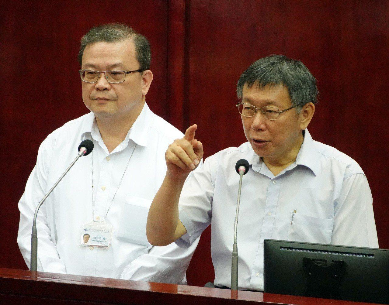 台北市長柯文哲下午在議會,接受議員李建昌質詢時表示民生汐止線如「盲腸」,沒有路線...