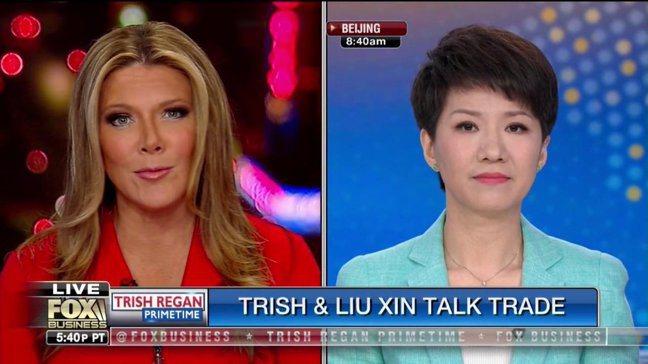 美中貿易戰演出戲外戲,美國福斯和大陸央視旗下環球電視網的兩位女主播針鋒相對地「較...