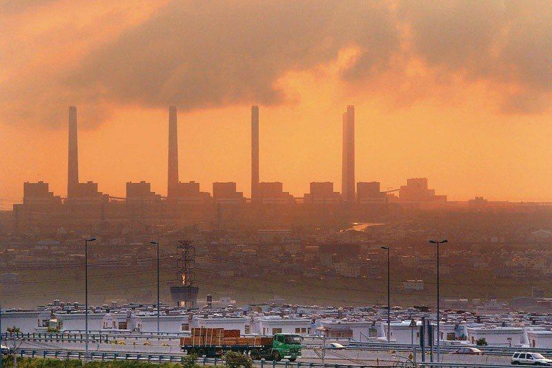 台中火力發電廠。 圖/聯合報系資料照