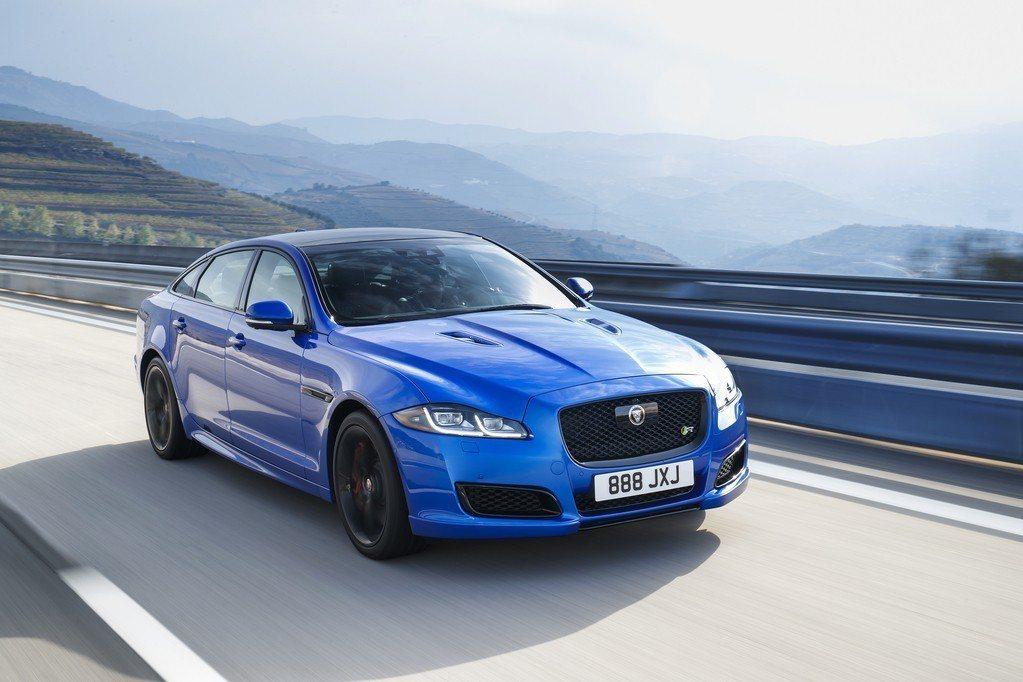 預計停產後的Jaguar XJ將以純電身分重生,而車名可能依然命名為XJ。 摘自...