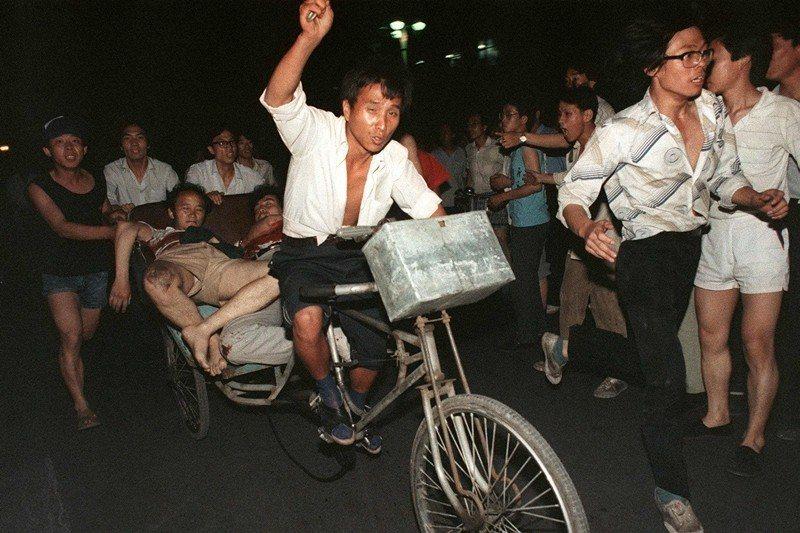 攝於1989年6月4日,北京天安門。 圖/法新社