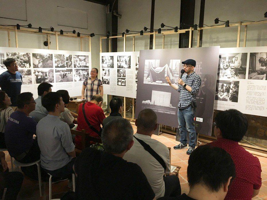 台灣芒草心慈善協會與香港社區組織協會近期合辦「無家者港台生活誌」攝影展,展出港台兩地針對無家者所拍攝的紀實影像,盼喚起社會對街友議題的關注。記者李隆揆/攝影